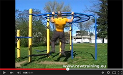 side-to-side-pull-up-bodyweight-back-exercise