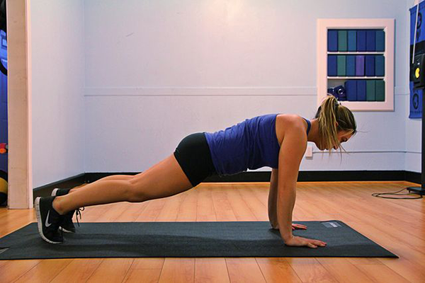 Straight-arm-plank-Isometric-core-exercise