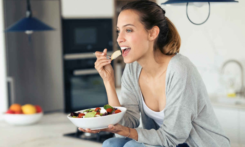 5 Reasons You Have Increased Appetite Before Your Period (How To Control It)