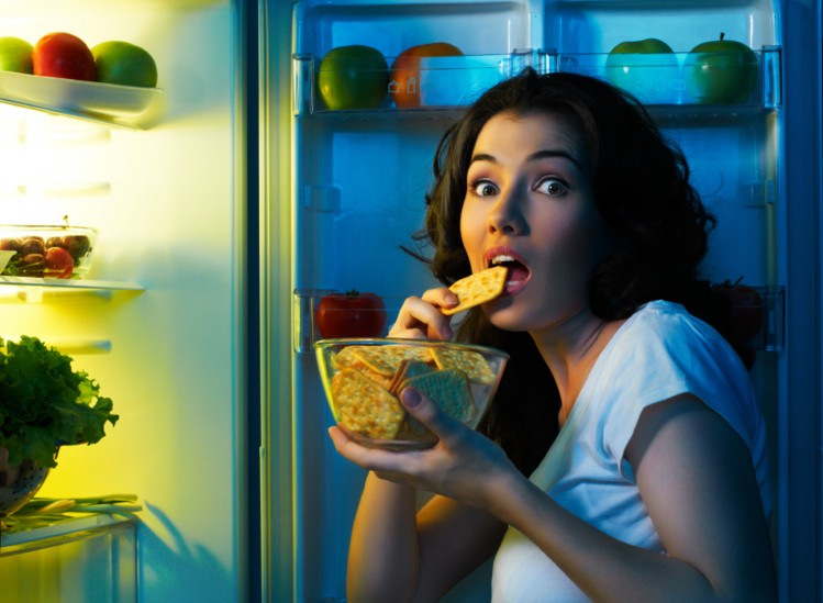 12 Unbelievable Reasons You're Craving Sweets at Night (How to Fix It)