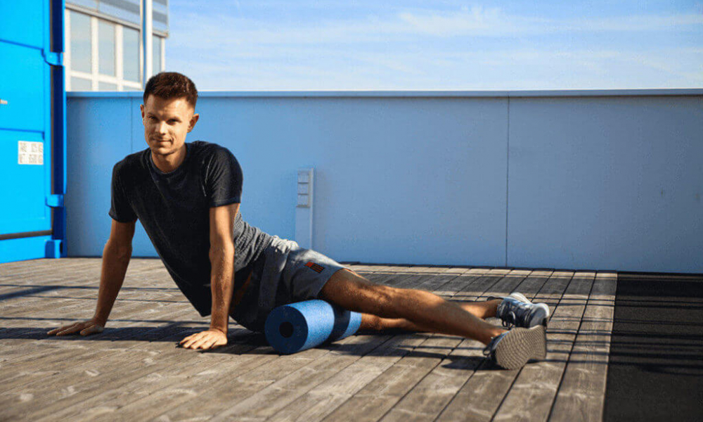 Alternatively, while foam rolling for knee pain, be gentle at first. If your knee is having too much trouble, you can always come back for another session after a day.